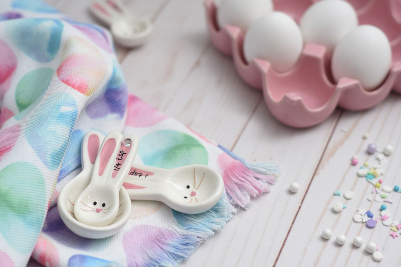 1Uplifting-things-to-do-at-home-this-Easter-bake-pastels-eggs-pink-crafts