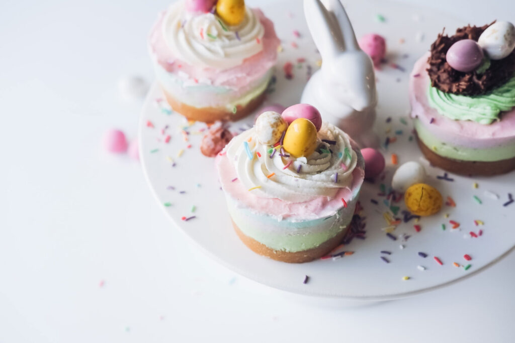 1Uplifting-things-to-do-at-home-this-Easter-cupcakes-eggs-pastels-cute-bunny