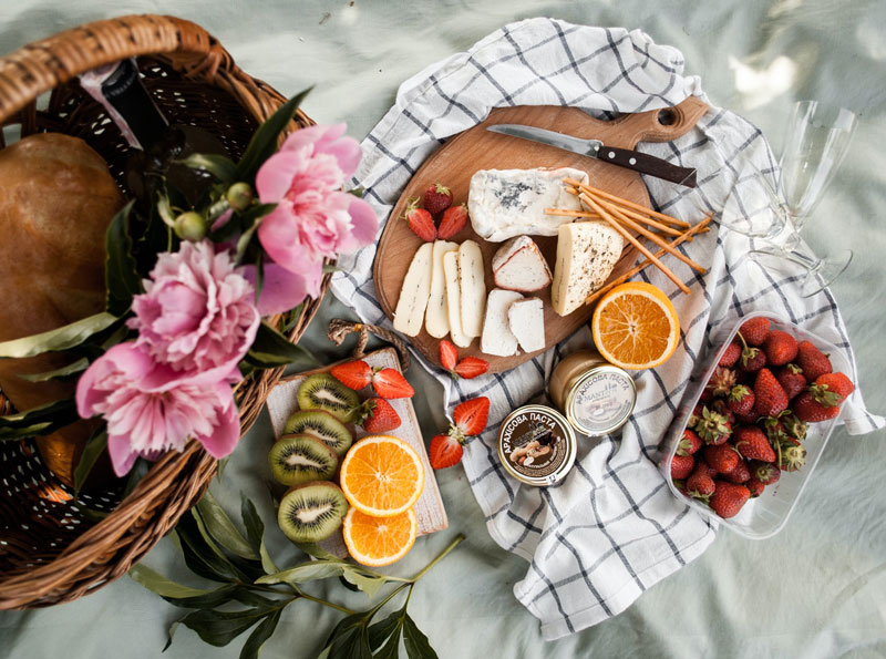 Martha-Brook-20-Uplifting-things-to-do-at-home-this-Easter-picnic-sunshine-pretty-summer-spring-pink-flowers