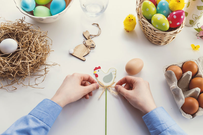 Uplifting-things-to-do-at-home-this-Easter-crafts-eggs-easter-egg-hunt-pastels